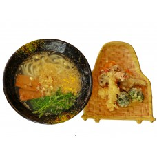 Udon-Nudeln mit frittierten Gemüsen (Lief.)